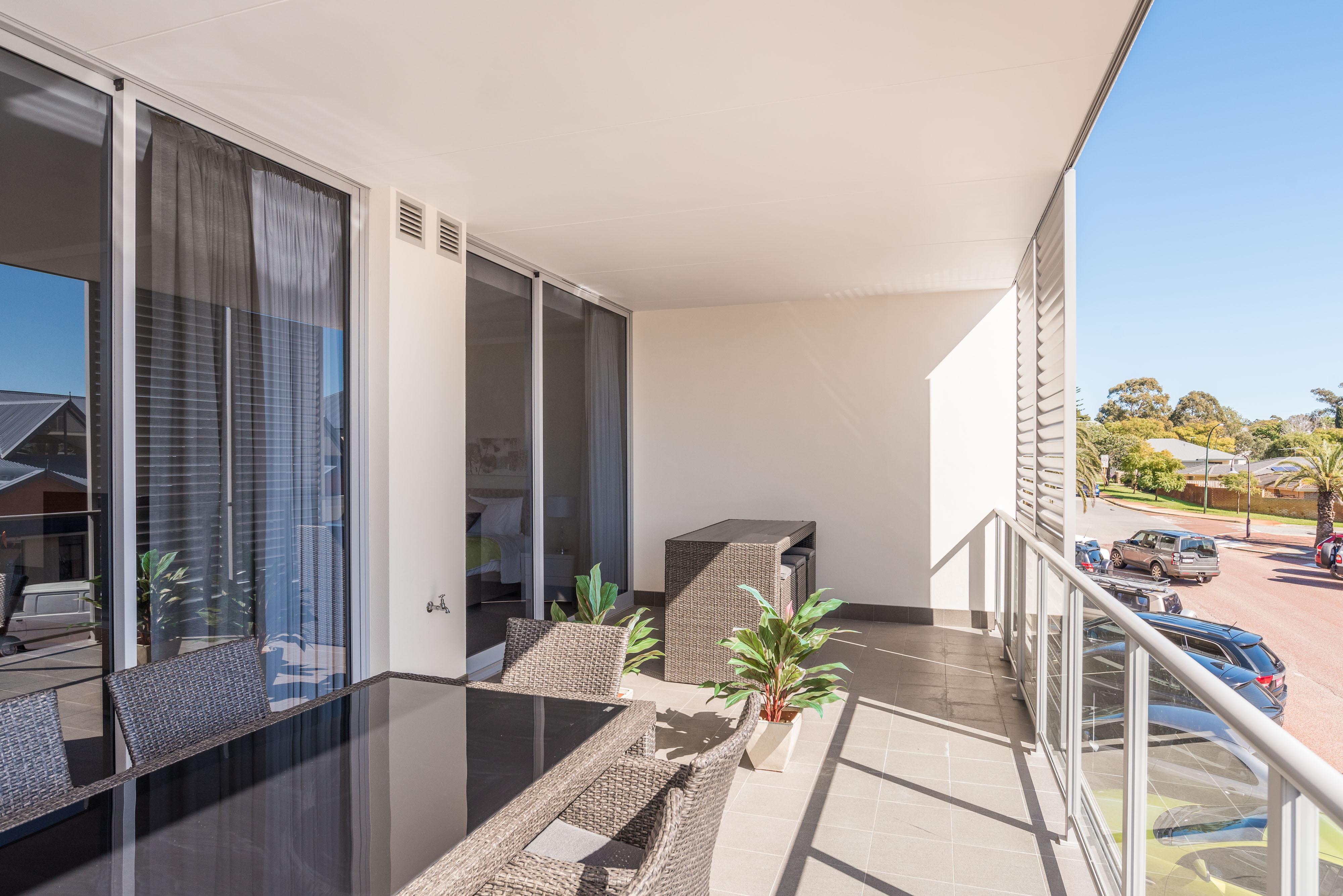 https://propertyphotos.vaultre.com.au/835/4541947__1582871150-7658-PRINT1-21QueensStreetMtPleasant19.jpg