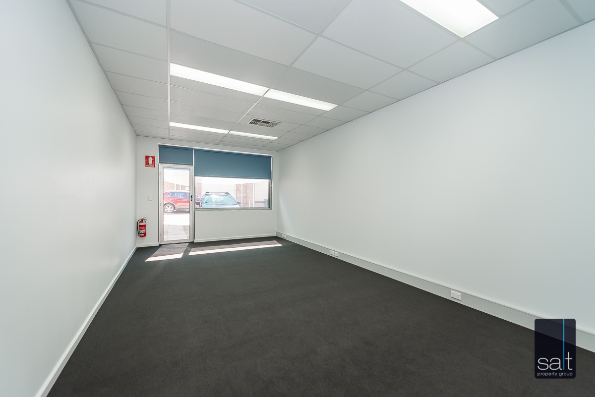 https://propertyphotos.vaultre.com.au/835/4601926__1583301682-26809-434AlbanyHighwayVictoriaPark-5.jpg