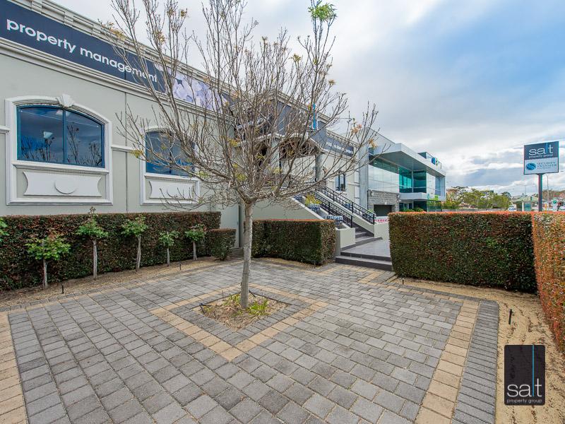 https://propertyphotos.vaultre.com.au/835/4605021__1583383584-4685-770CanningHwyApplecross-43.jpg