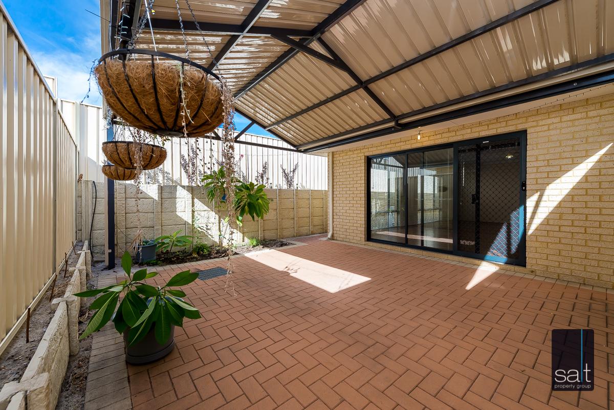 https://propertyphotos.vaultre.com.au/835/4607979__1583465851-492-532AldayStreetStJames-16.jpg