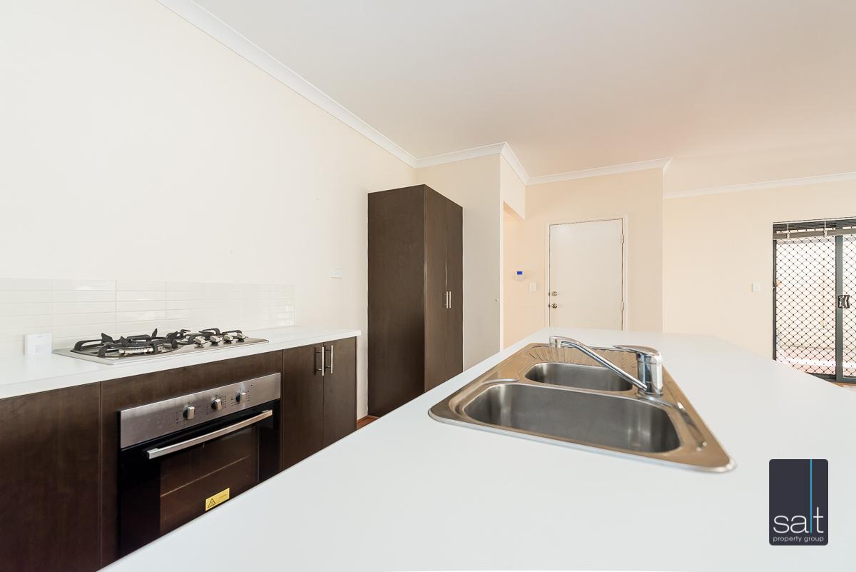 https://propertyphotos.vaultre.com.au/835/4607986__1583465860-23468-532AldayStreetStJames-6.jpg