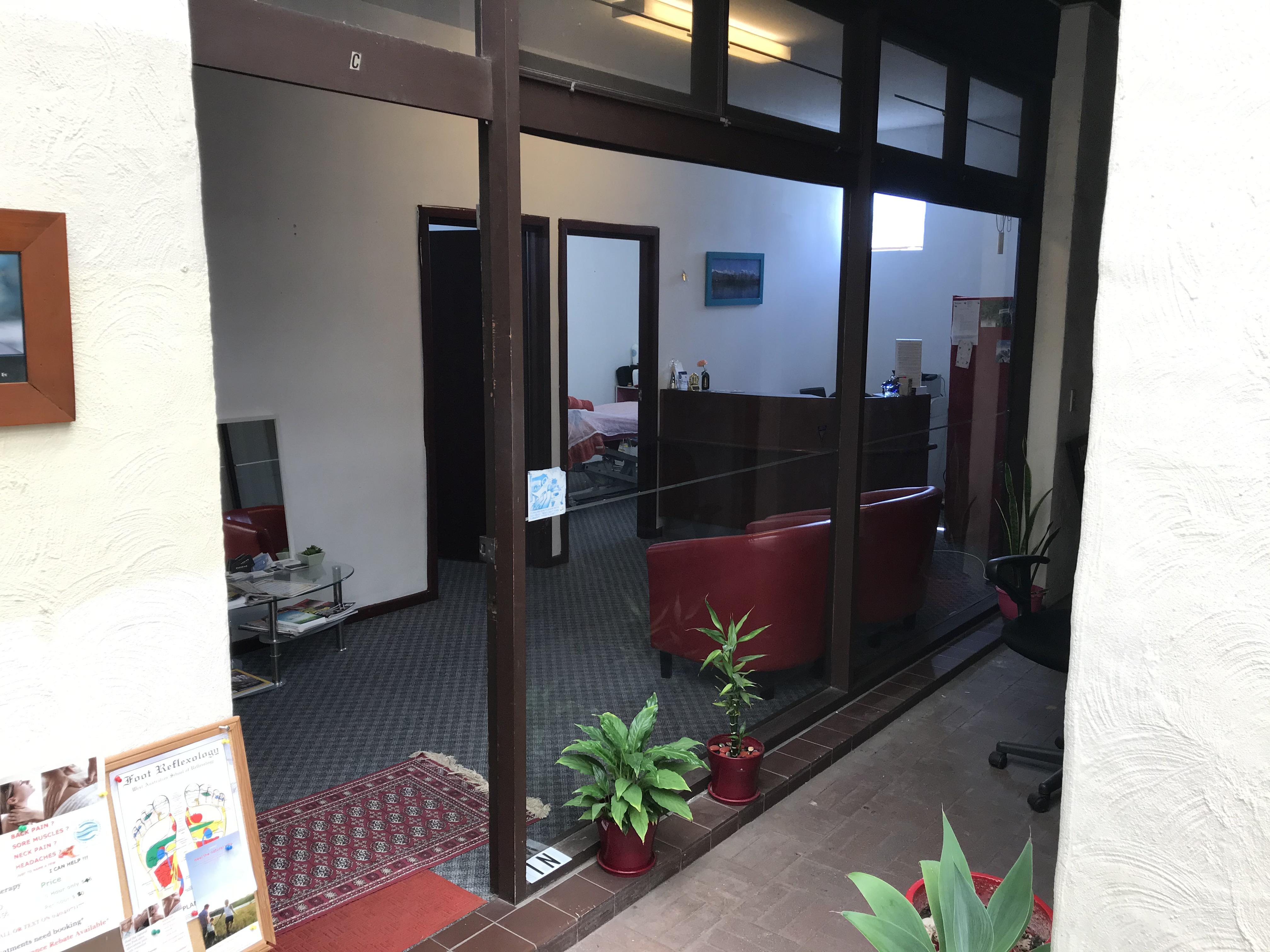 https://propertyphotos.vaultre.com.au/835/4627873__1583993728-29102-IMG1280.jpg
