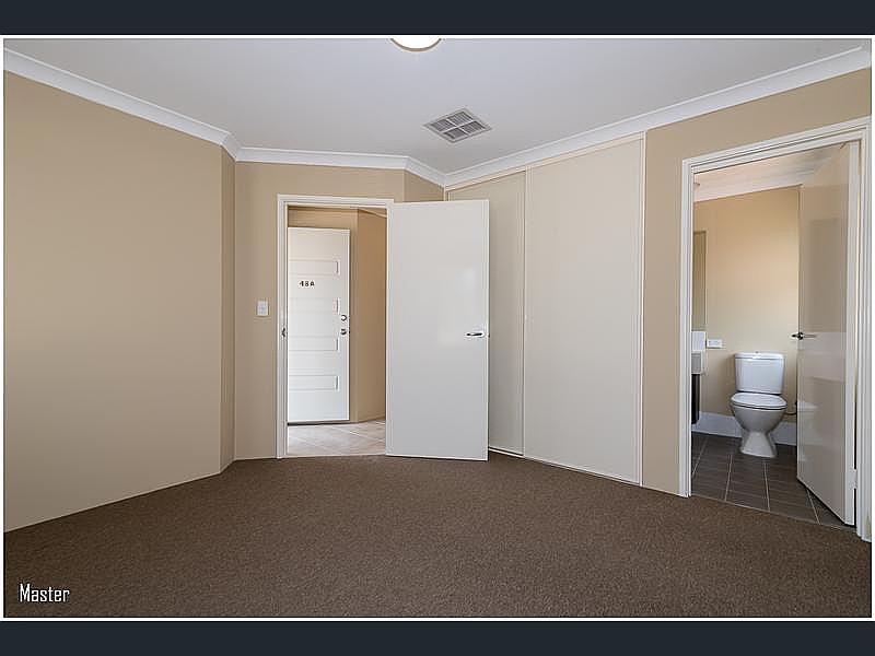 https://propertyphotos.vaultre.com.au/835/4631057__1584070513-23436-reaimport-1568684449-347406-29075.jpg