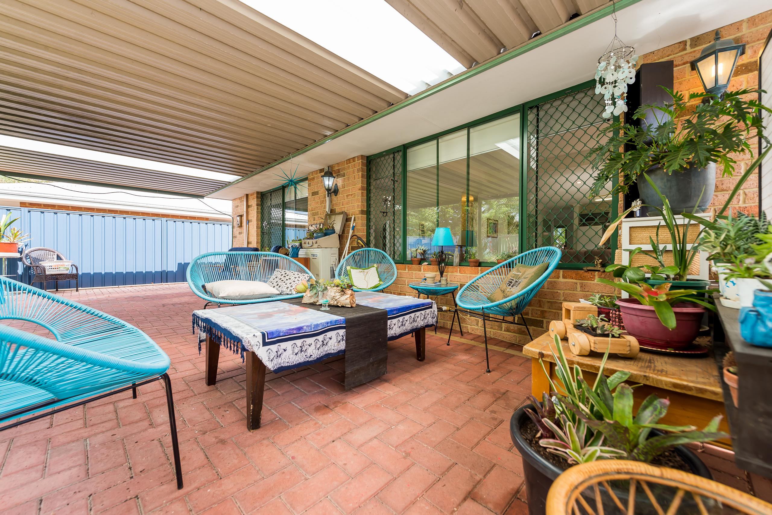 https://propertyphotos.vaultre.com.au/835/4638715__1584413064-18613-35JagoeLoopWillagee-18.jpg