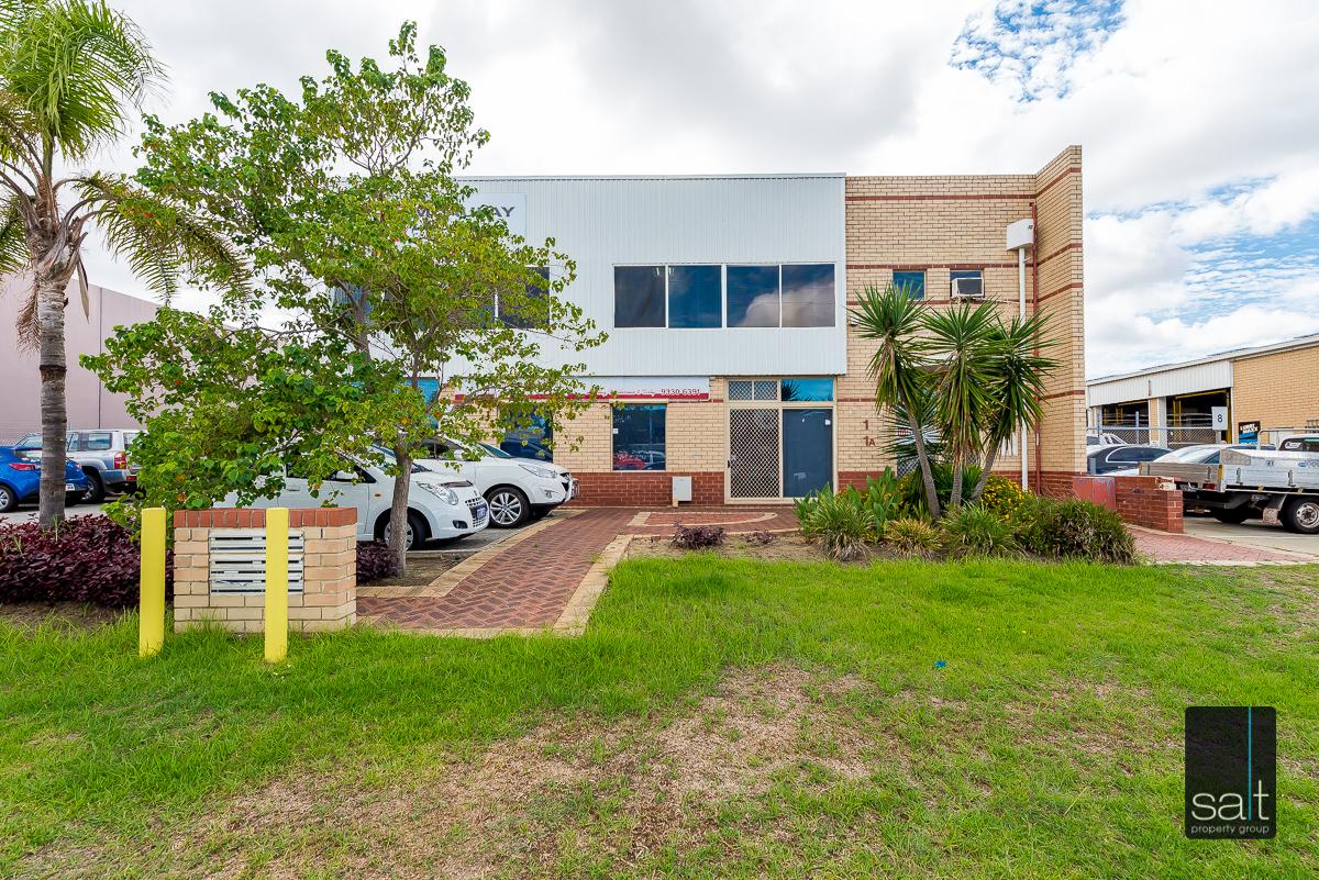 https://propertyphotos.vaultre.com.au/835/4638728__1584413282-27795-1AHaydenCourtMyaree-2.jpg
