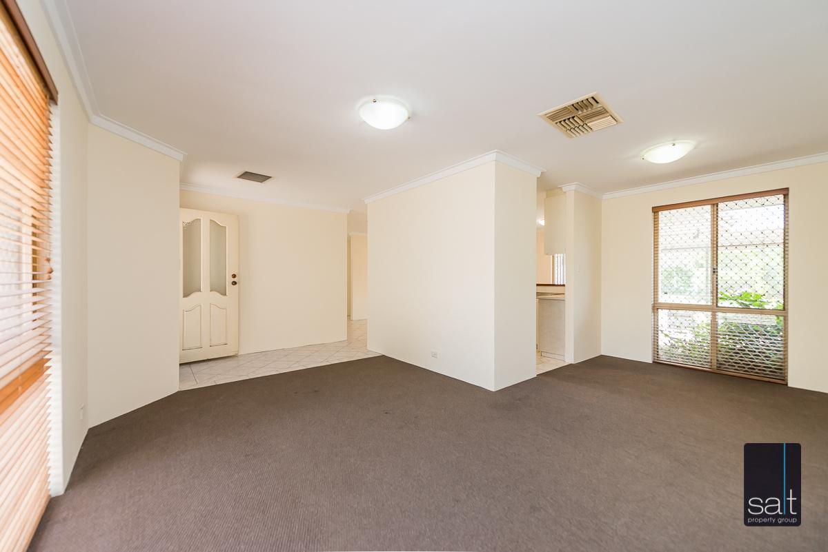 https://propertyphotos.vaultre.com.au/835/4644224__1584518958-2879-5MilliganAvenueMorley-5.jpg