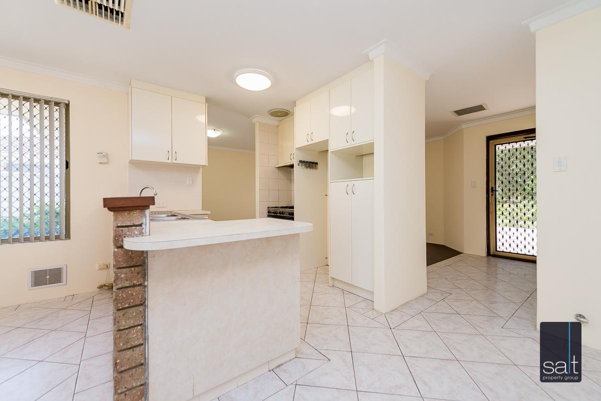 https://propertyphotos.vaultre.com.au/835/4644227__1584518959-31225-5MilliganAvenueMorley-7.jpg