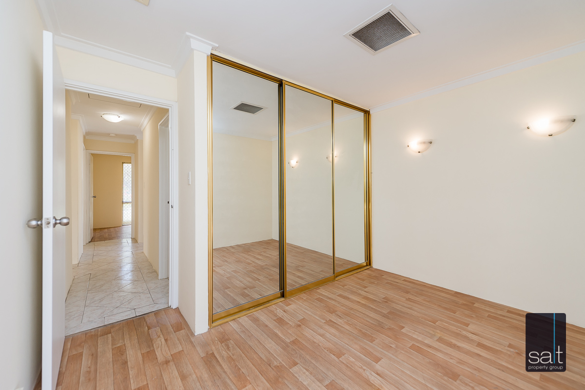 https://propertyphotos.vaultre.com.au/835/4644228__1584518960-2889-5MilliganAvenueMorley-8.jpg