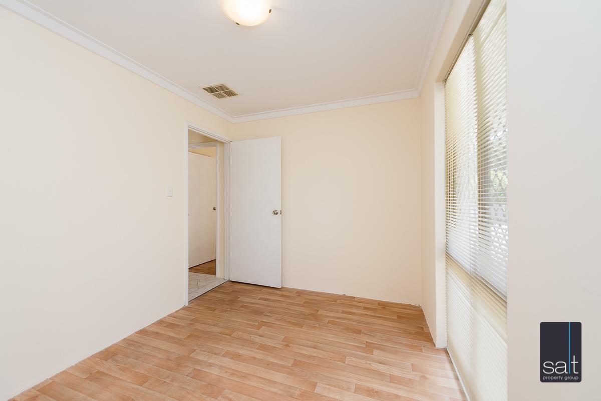 https://propertyphotos.vaultre.com.au/835/4644229__1584518961-936-5MilliganAvenueMorley-10.jpg