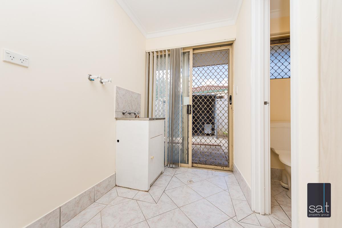 https://propertyphotos.vaultre.com.au/835/4644233__1584518964-948-5MilliganAvenueMorley-13.jpg