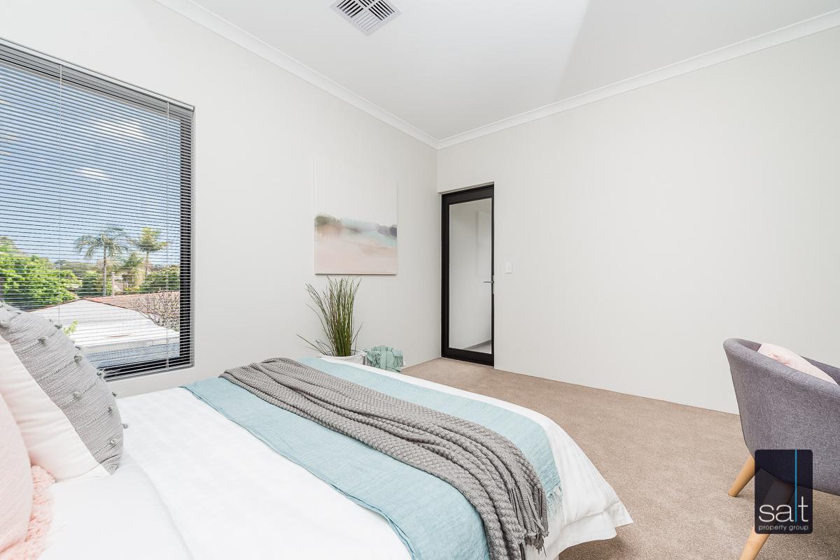 https://propertyphotos.vaultre.com.au/835/4658779__1585013424-12722-18LealtPlArdross-3.jpg