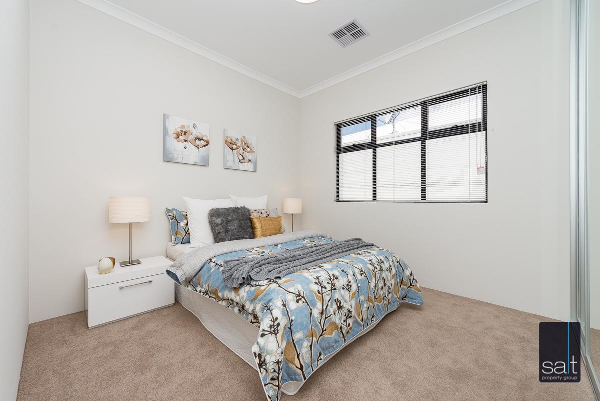 https://propertyphotos.vaultre.com.au/835/4658780__1585013425-28296-18LealtPlArdross-4.jpg