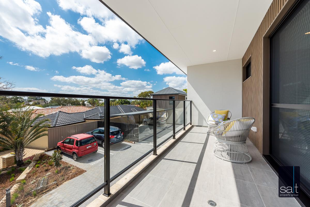 https://propertyphotos.vaultre.com.au/835/4658783__1585013428-12739-18LealtPlArdross-7.jpg