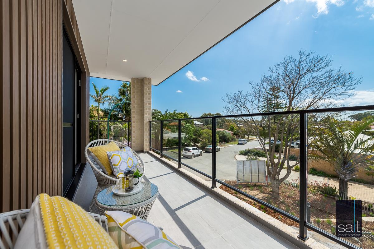 https://propertyphotos.vaultre.com.au/835/4658784__1585013429-12747-18LealtPlArdross-8.jpg