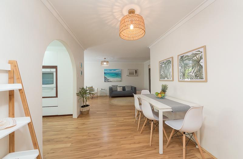 https://propertyphotos.vaultre.com.au/835/4695072__1586164422-9699-IMG2710.jpg