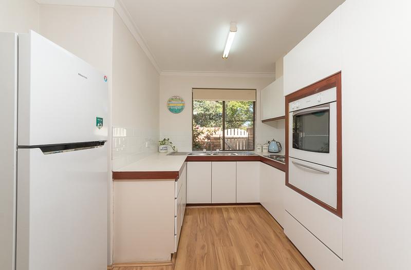 https://propertyphotos.vaultre.com.au/835/4695073__1586164434-23943-IMG2713.jpg