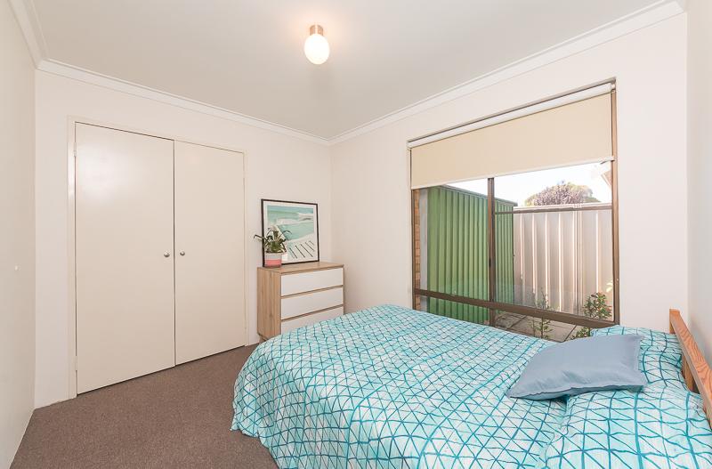 https://propertyphotos.vaultre.com.au/835/4695075__1586164459-23979-IMG2715.jpg
