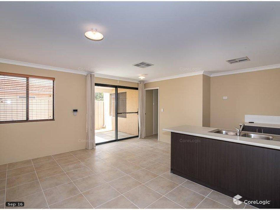 https://propertyphotos.vaultre.com.au/835/4721851__1586836098-10478-living.jpg