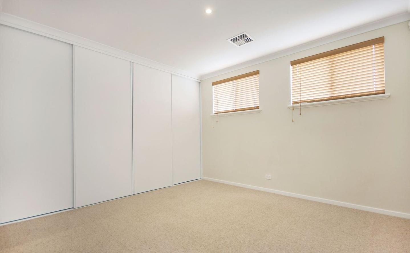 https://propertyphotos.vaultre.com.au/835/4857952__1587018562-5376-image7.jpg