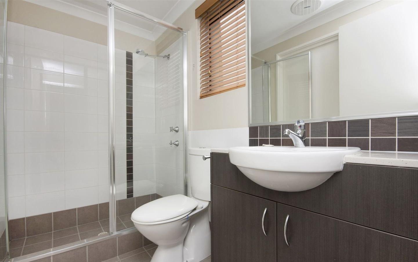 https://propertyphotos.vaultre.com.au/835/4857957__1587018565-5400-image13.jpg