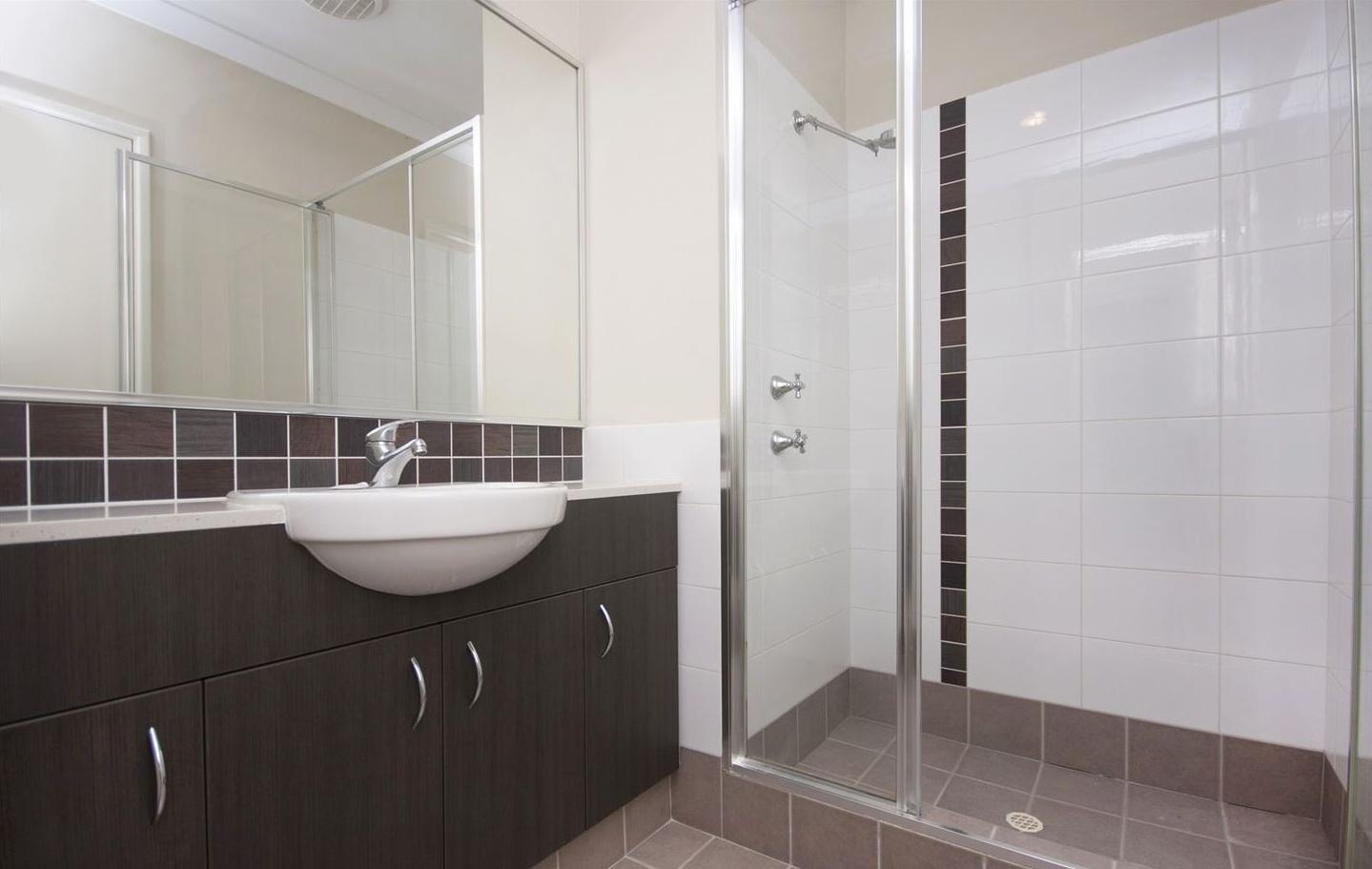 https://propertyphotos.vaultre.com.au/835/4857958__1587018567-10768-image15.jpg