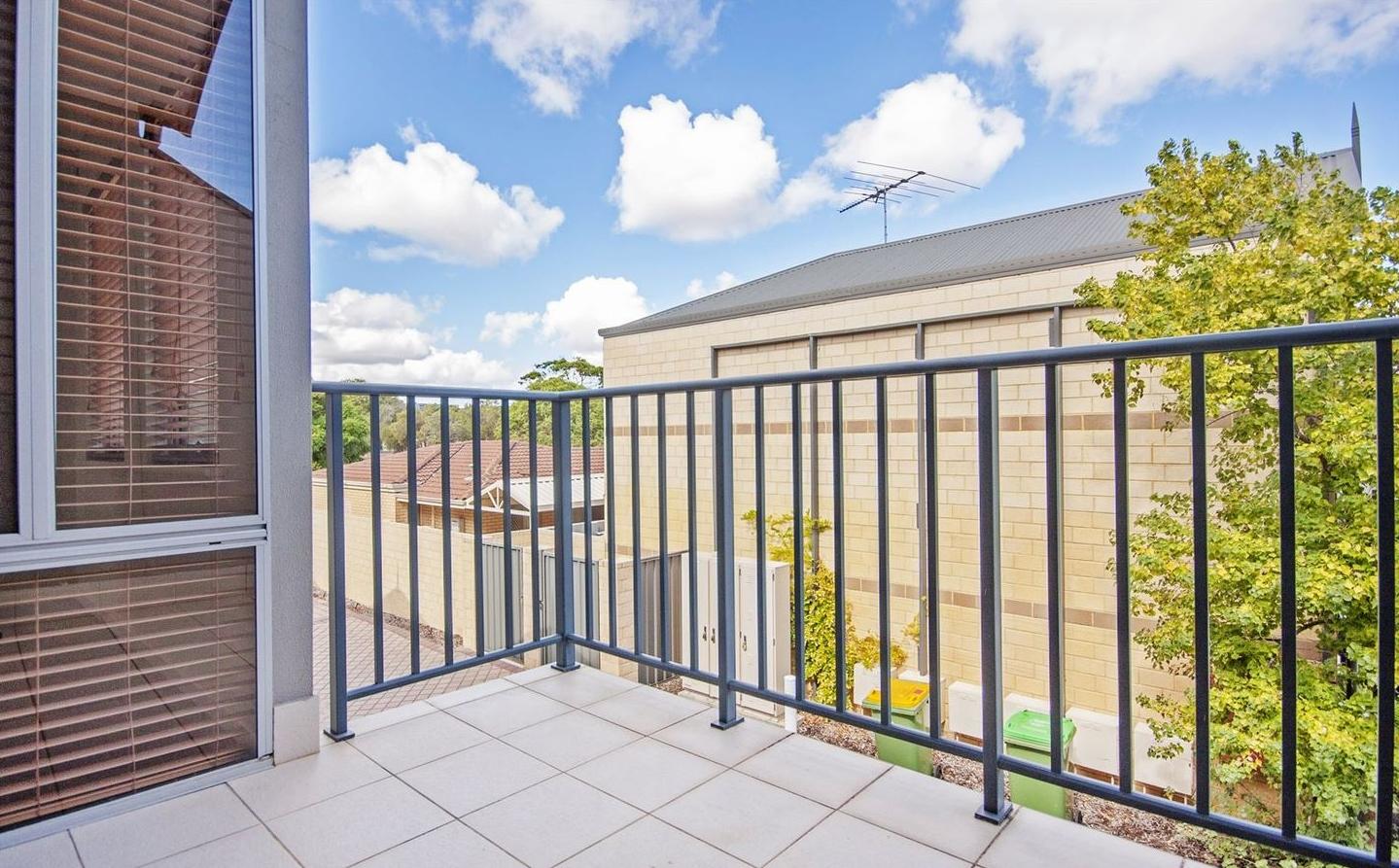 https://propertyphotos.vaultre.com.au/835/4857960__1587018568-31081-image17.jpg