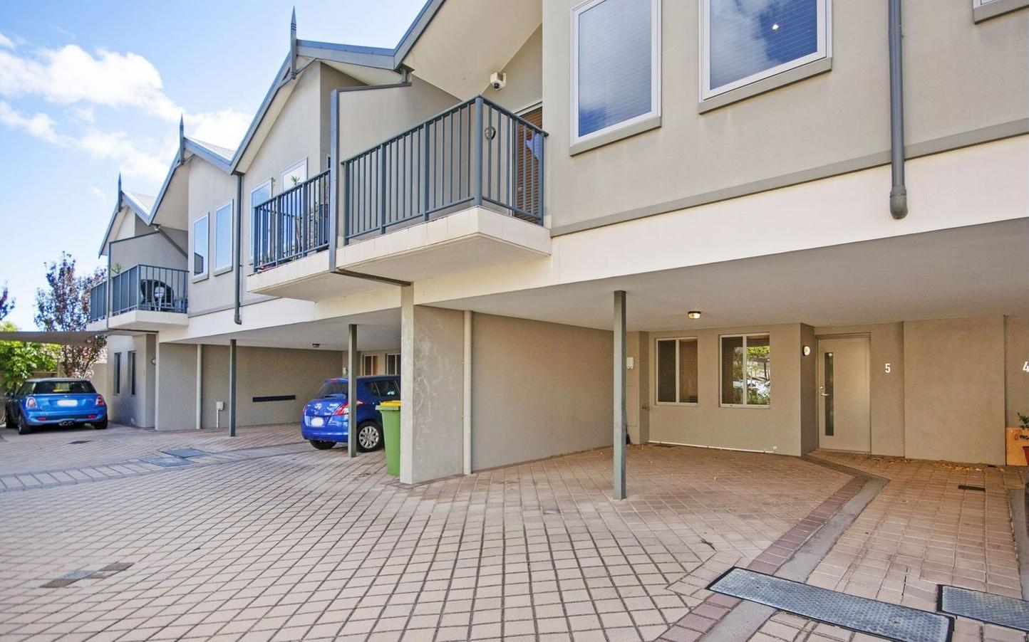 https://propertyphotos.vaultre.com.au/835/4857961__1587018570-31097-image20.jpg