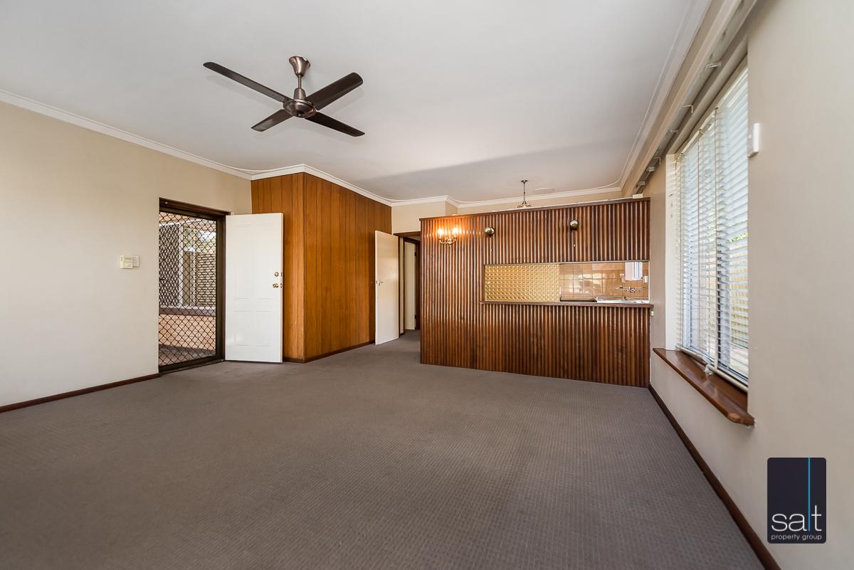 https://propertyphotos.vaultre.com.au/835/5804817__1588059686-28542-168bRiseleyStreetBooragoon-5.jpg