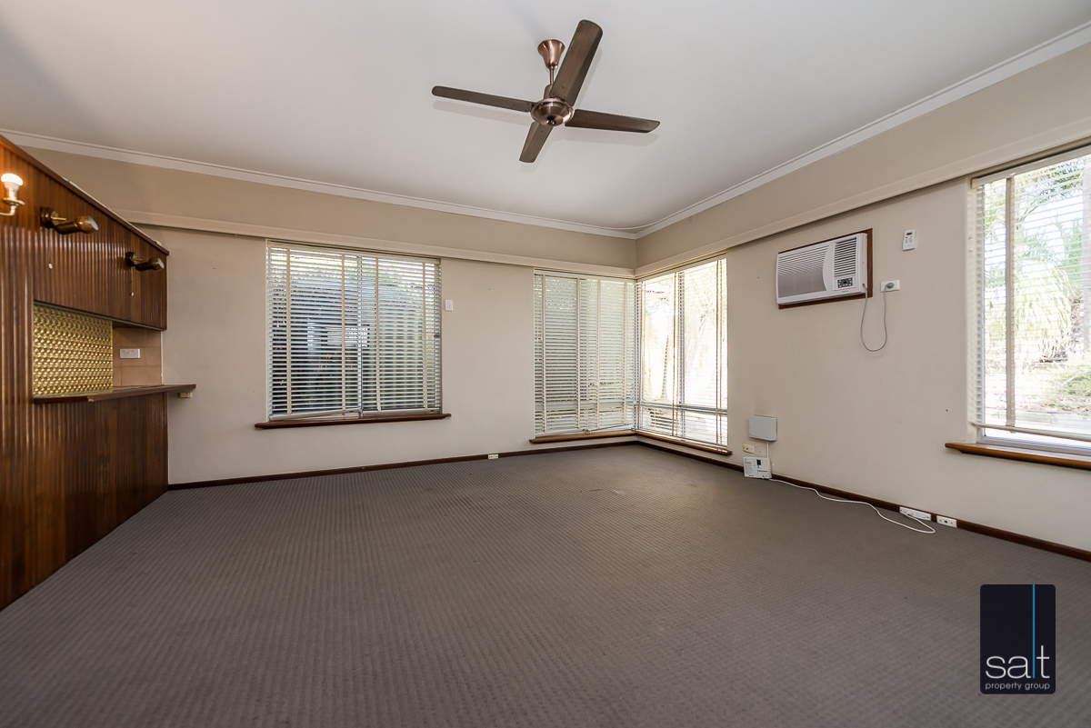 https://propertyphotos.vaultre.com.au/835/5804818__1588059689-5921-168bRiseleyStreetBooragoon-6.jpg
