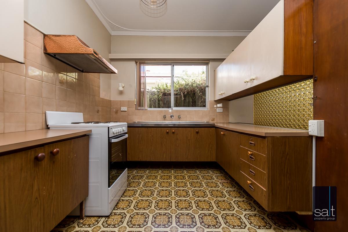 https://propertyphotos.vaultre.com.au/835/5804819__1588059691-28557-168bRiseleyStreetBooragoon-7.jpg