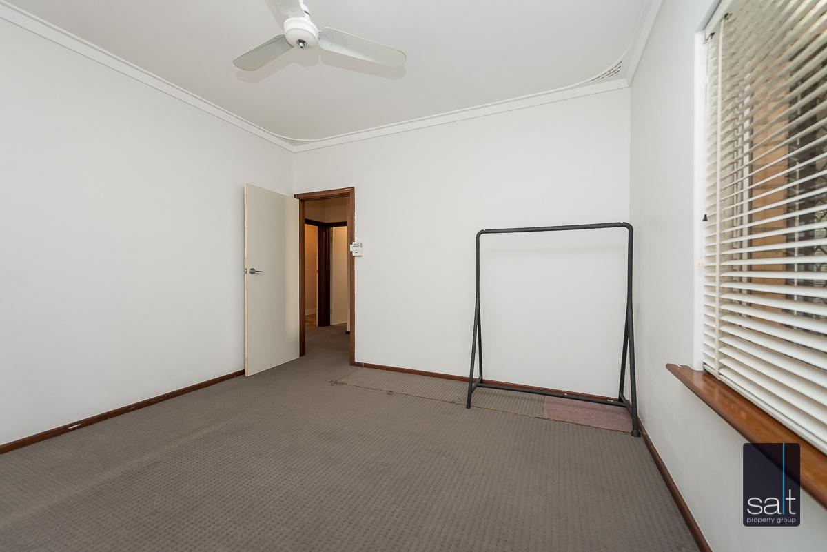 https://propertyphotos.vaultre.com.au/835/5804821__1588059719-5970-168bRiseleyStreetBooragoon-9.jpg