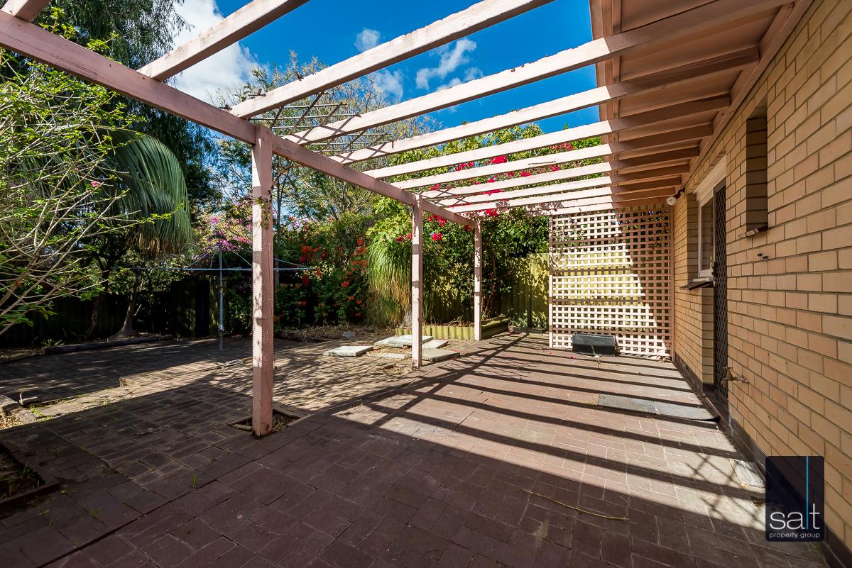 https://propertyphotos.vaultre.com.au/835/5804825__1588059763-28675-168bRiseleyStreetBooragoon-13.jpg