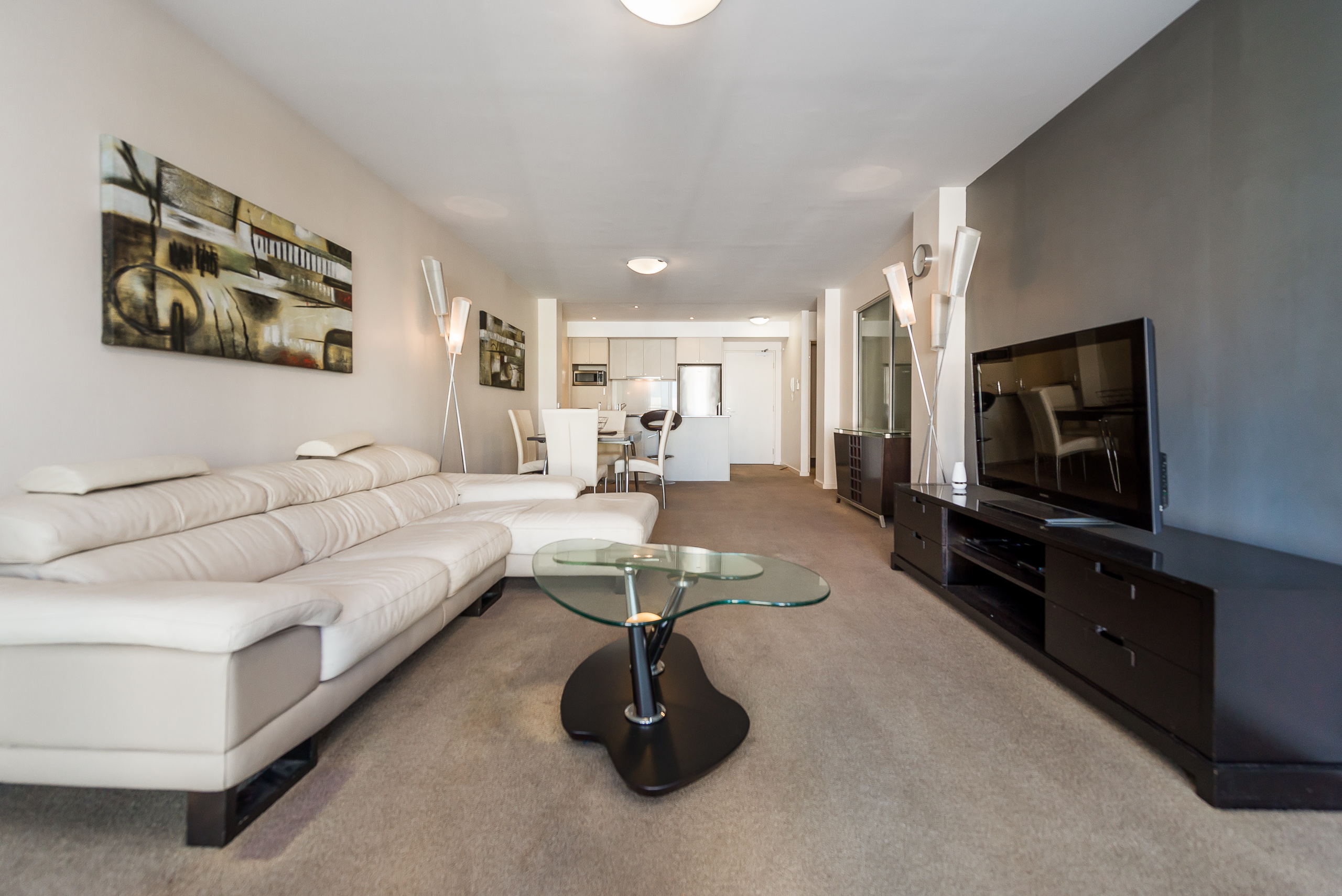 https://propertyphotos.vaultre.com.au/835/5827000__1588558833-5420-39375HayStPerth-5.jpg