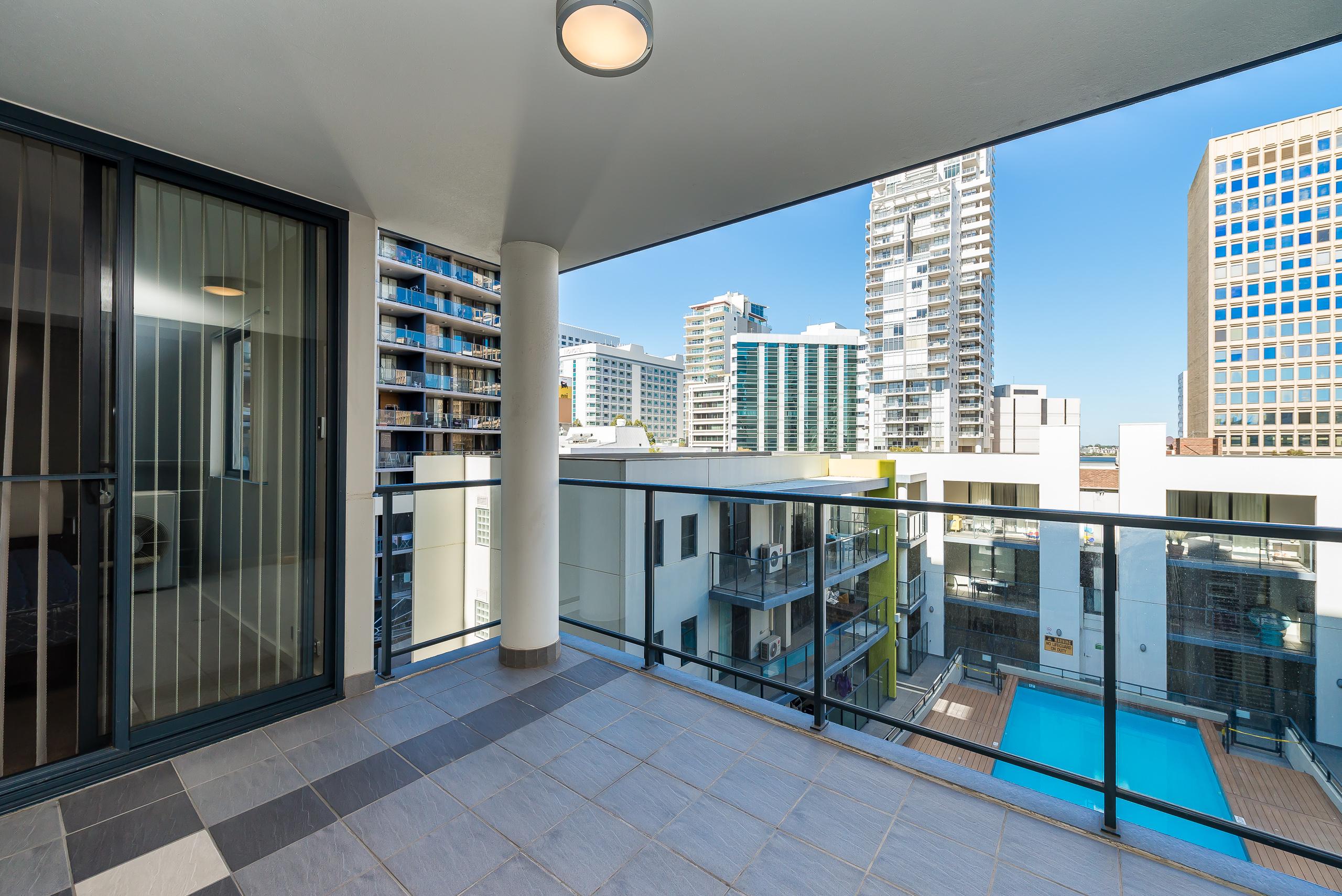 https://propertyphotos.vaultre.com.au/835/5827013__1588558954-5490-39375HayStPerth-14.jpg