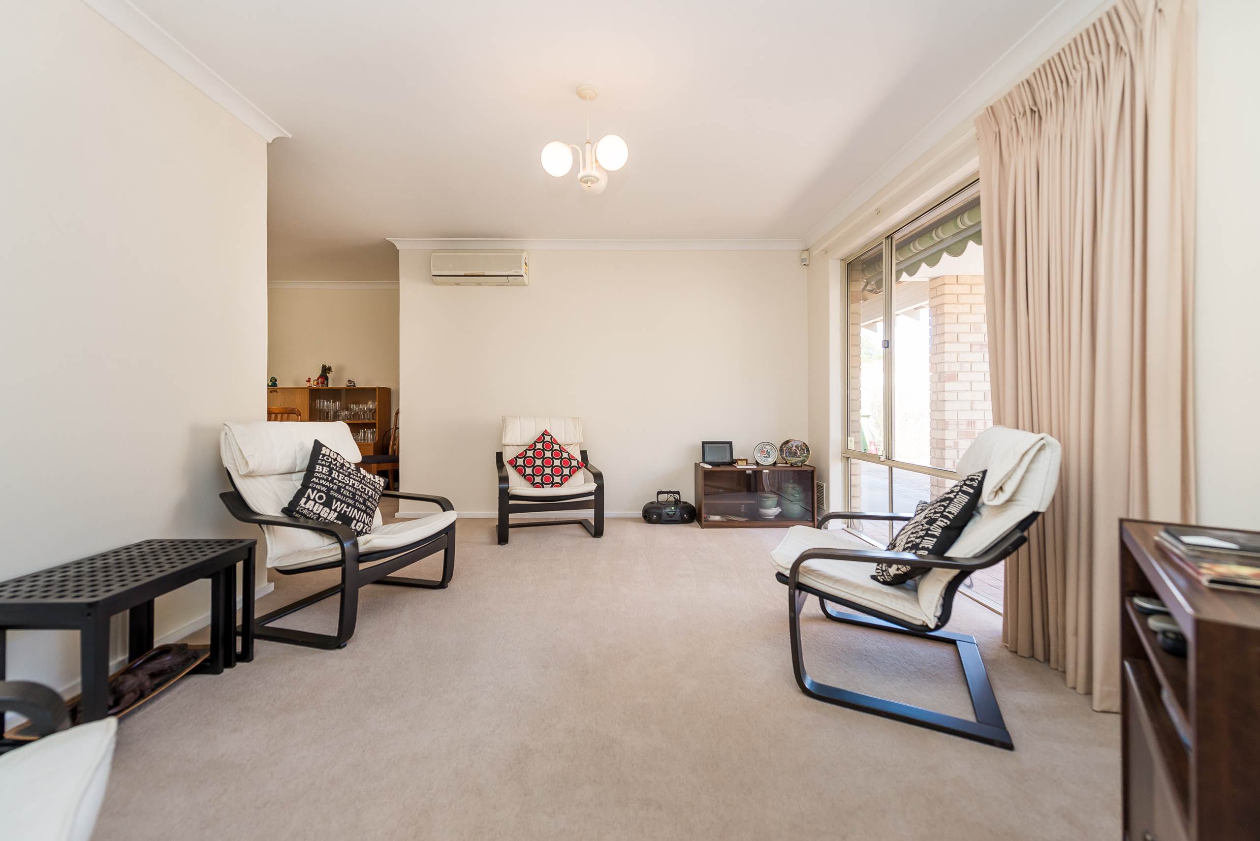 https://propertyphotos.vaultre.com.au/835/5828697__1588579415-19118-378GairlochStreetMtPleasant-7.jpg