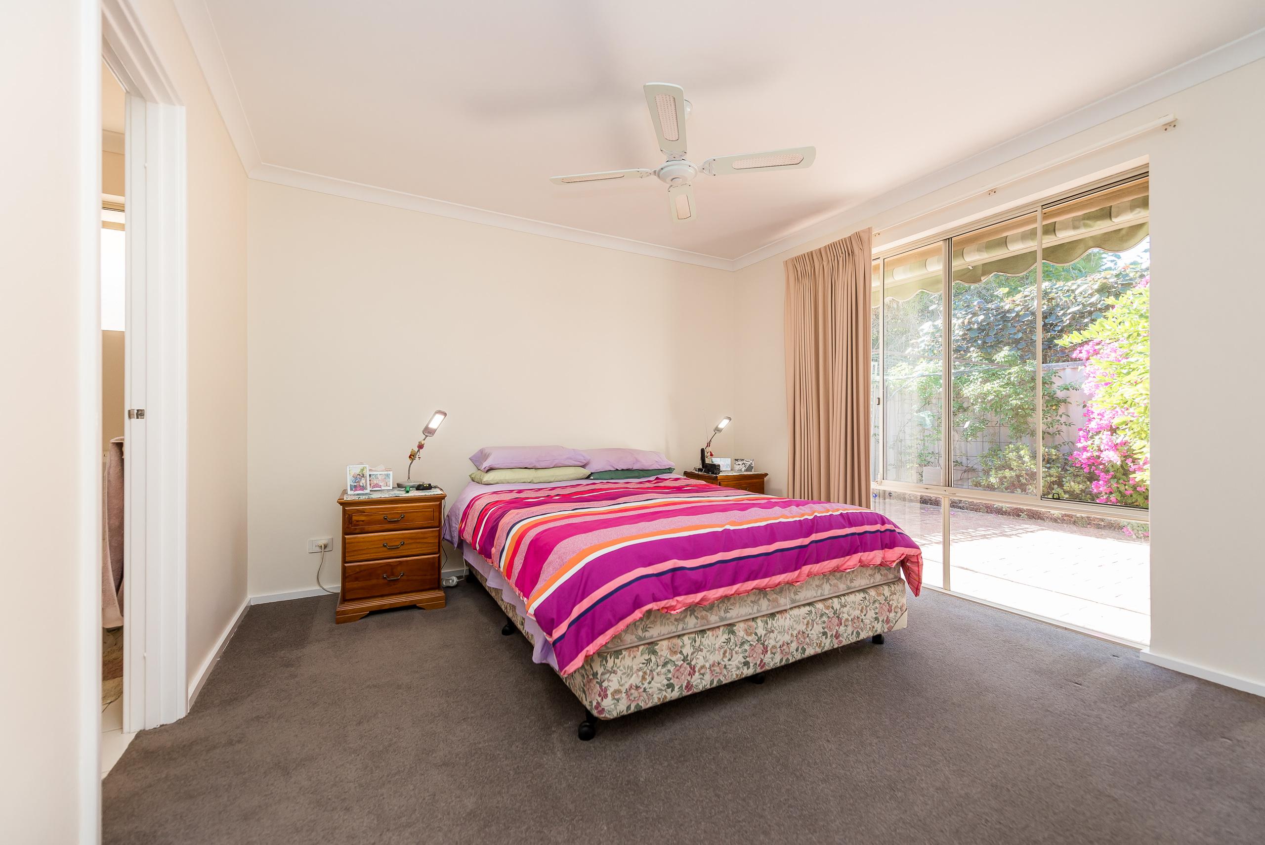 https://propertyphotos.vaultre.com.au/835/5828710__1588579518-19227-378GairlochStreetMtPleasant-16.jpg