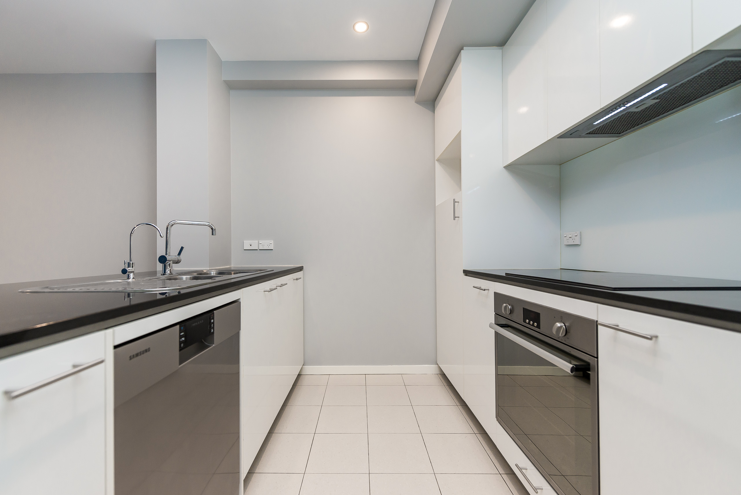 https://propertyphotos.vaultre.com.au/835/5842901__1588837360-20773-12131HaroldStreetHighgate-6.jpg