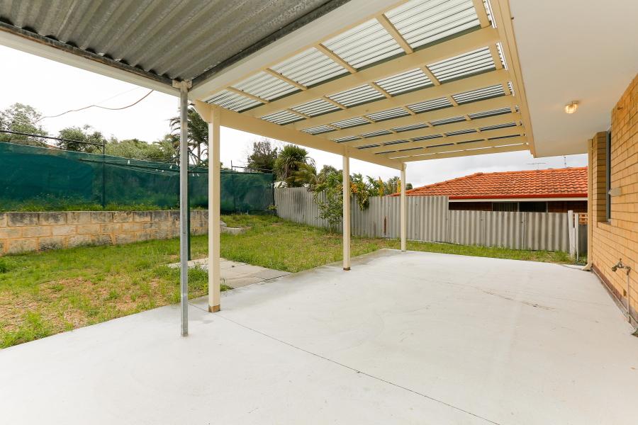 https://propertyphotos.vaultre.com.au/835/6908217__1590036196-791-IMG0010.JPG