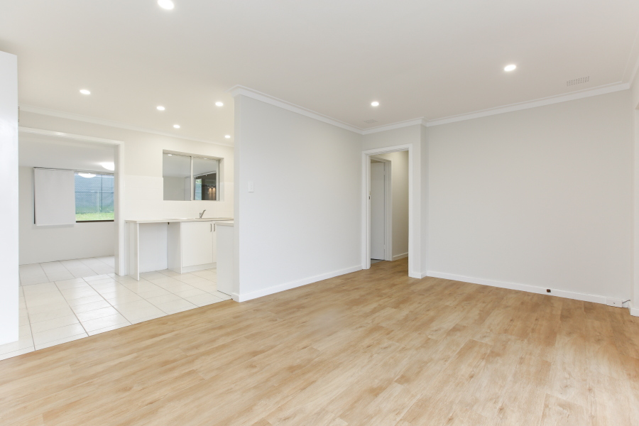 https://propertyphotos.vaultre.com.au/835/6908227__1590036211-868-IMG0020.JPG