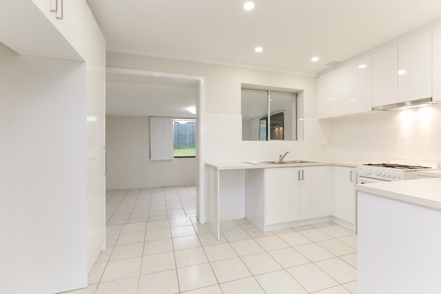 https://propertyphotos.vaultre.com.au/835/6908229__1590036212-886-IMG0021.JPG