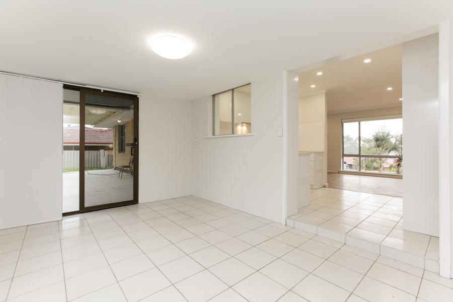 https://propertyphotos.vaultre.com.au/835/6908235__1590036218-13839-IMG0027.JPG
