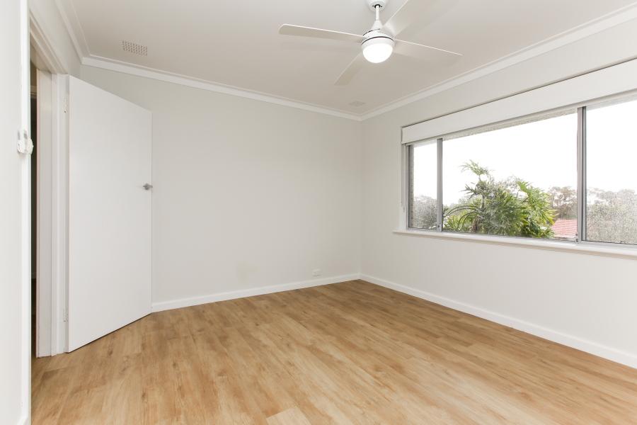 https://propertyphotos.vaultre.com.au/835/6908240__1590036224-13862-IMG0032.JPG
