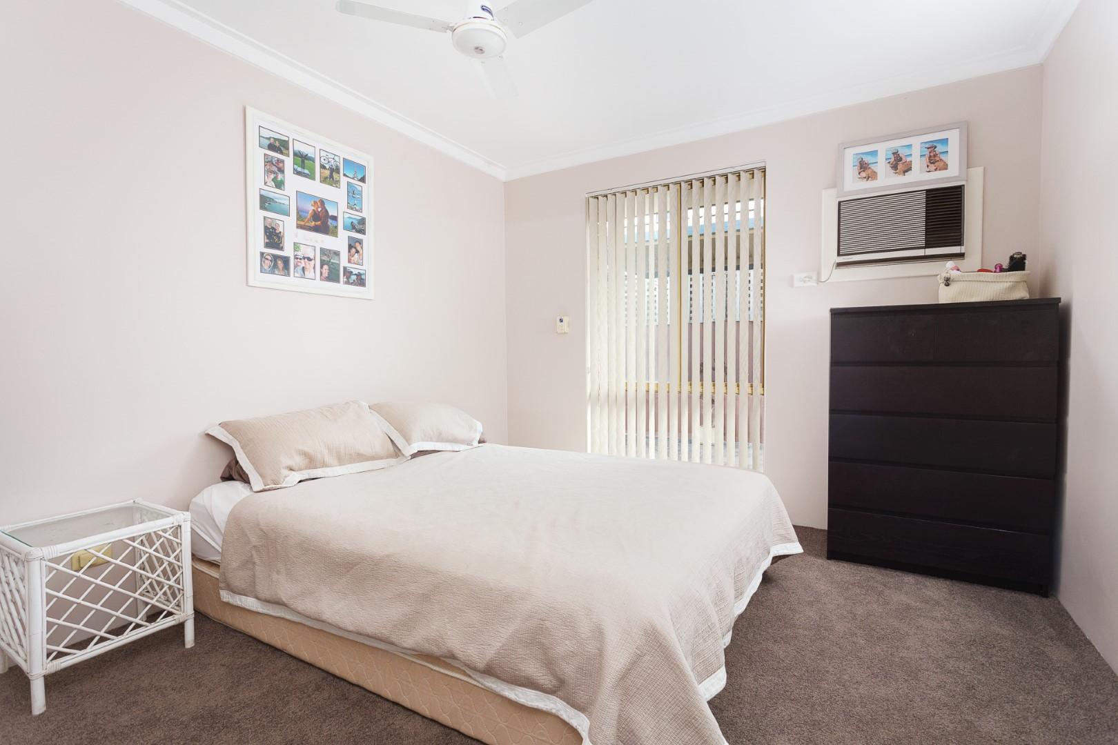 https://propertyphotos.vaultre.com.au/835/7219985__1590379479-3160-HIGH2203BatemanRoadBrentwood1of14.jpg