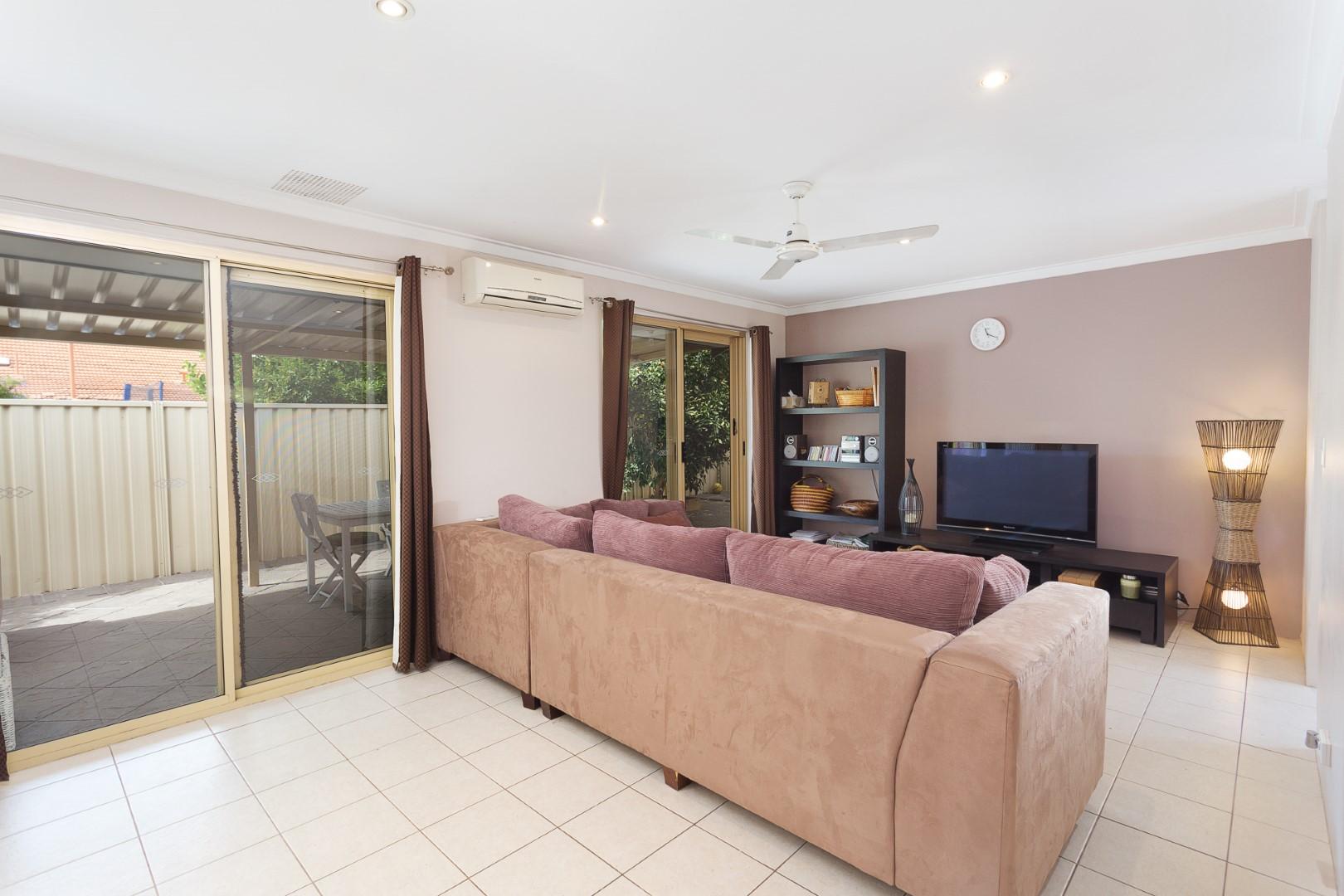 https://propertyphotos.vaultre.com.au/835/7219990__1590379485-22907-HIGH2203BatemanRoadBrentwood6of14.jpg