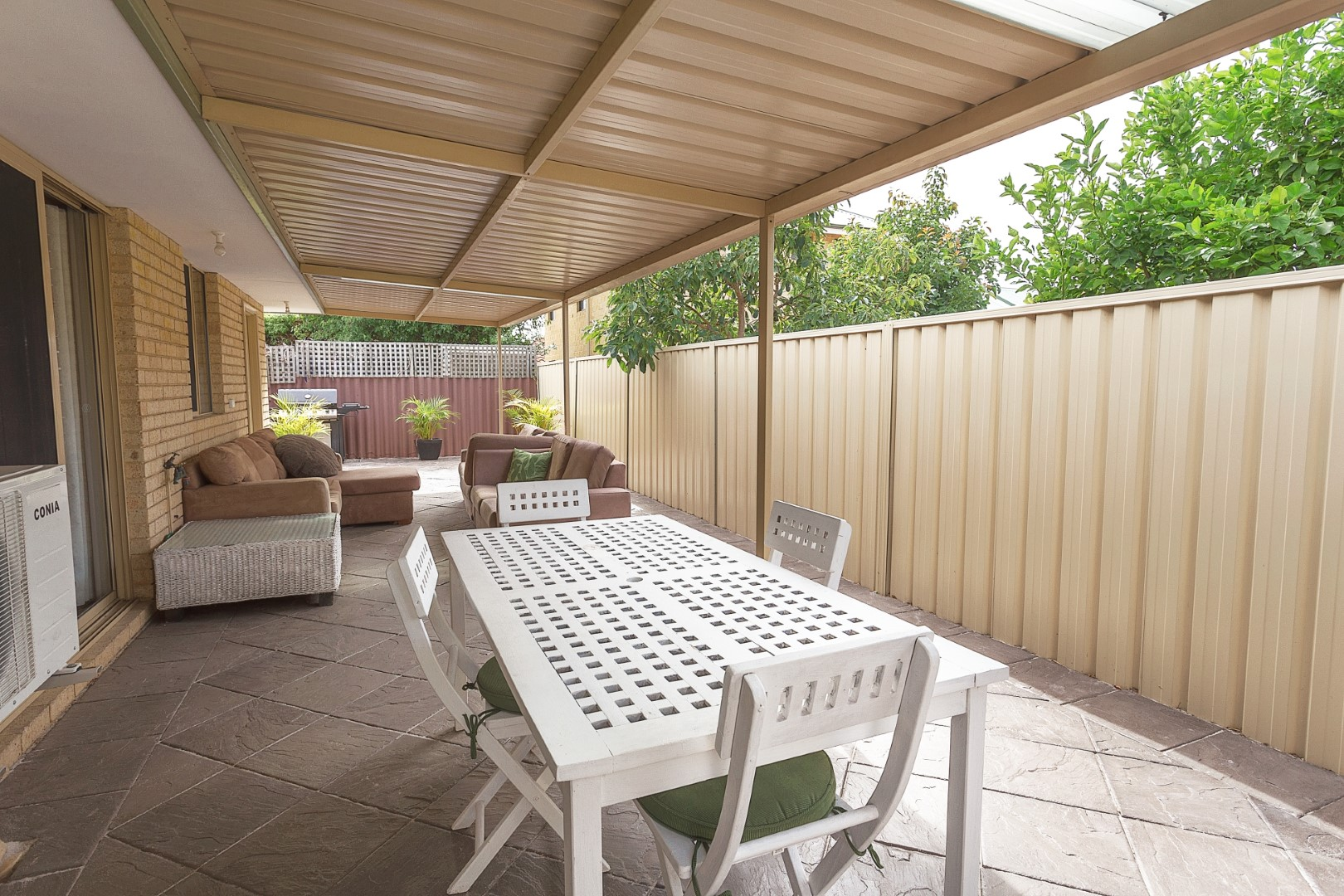 https://propertyphotos.vaultre.com.au/835/7219994__1590379490-21902-HIGH2203BatemanRoadBrentwood10of14.jpg