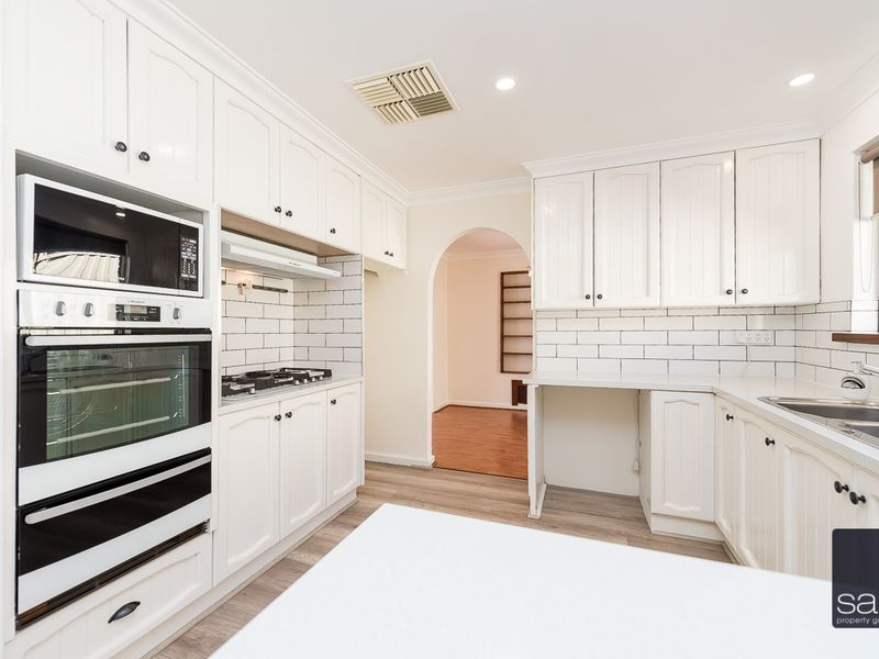 https://propertyphotos.vaultre.com.au/835/756435__reaimport-1568678455-347100-28907.jpg