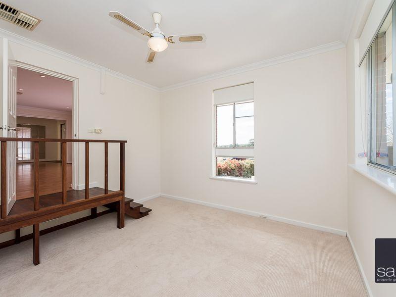 https://propertyphotos.vaultre.com.au/835/756444__reaimport-1568678458-347100-28907.jpg