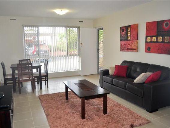 https://propertyphotos.vaultre.com.au/835/756477__reaimport-1568678472-347106-28912.jpg