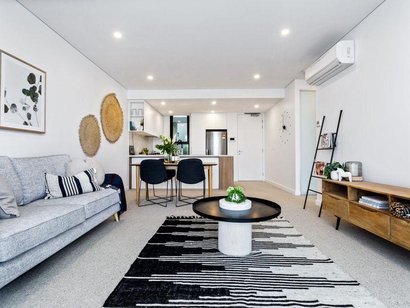https://propertyphotos.vaultre.com.au/835/756613__reaimport-1568678521-347119-442165.jpg