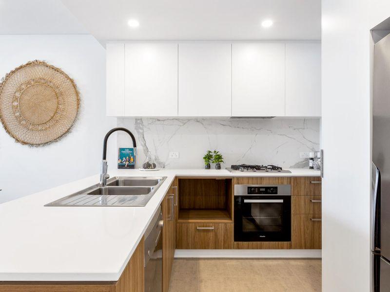 https://propertyphotos.vaultre.com.au/835/756615__reaimport-1568678522-347119-442165.jpg